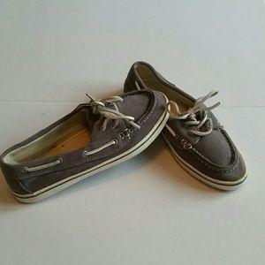 Steve Madden Yachtt Grey Shoes size 8